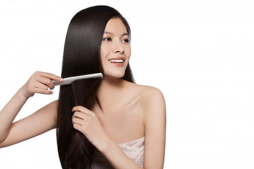 Care-hair-and-restore-damaged-hair-to-become-silky-with-locust-3